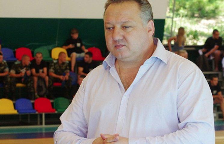 Ректора академії Ківалова усунули від роботи за агітацію на підтримку шефа