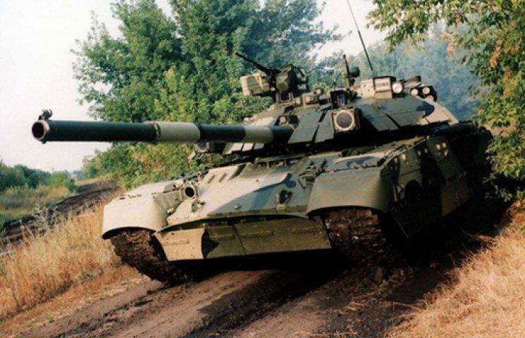 В Харькове выполнят крупнейший заказ на производство танков и БТРов – Порошенко