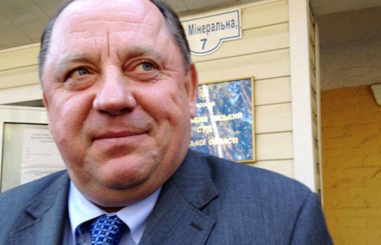 Налогового ректора под судом в Ирпене «люстрировали» яйцами