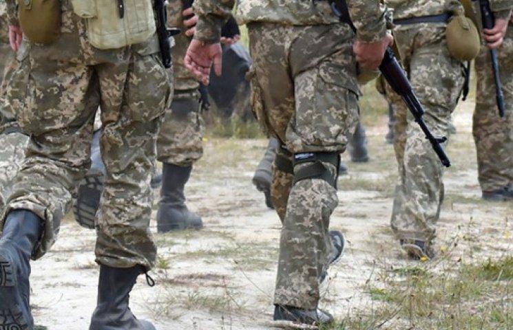 Порошенко назвал условие демобилизации солдат-срочников