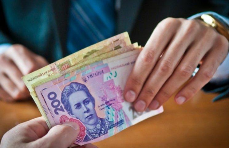 У Порошенко поговорят о повышении зарплат и пенсий украинцам
