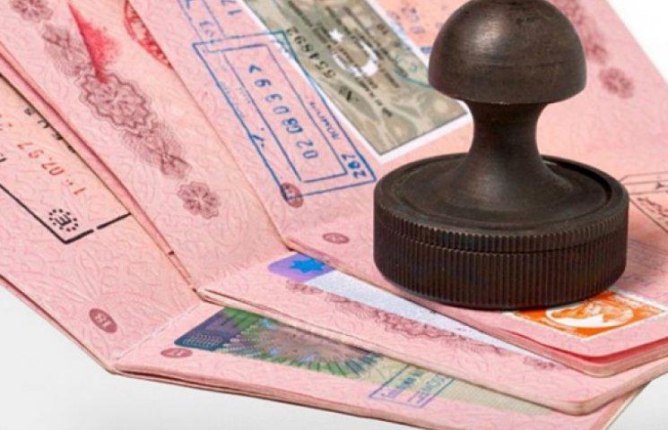 Украина готова ввести упрощенный визовый режим с ЕС уже с начала 2015 года