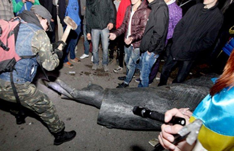 Суд визнав, що Леніна в Харкові знесли законно