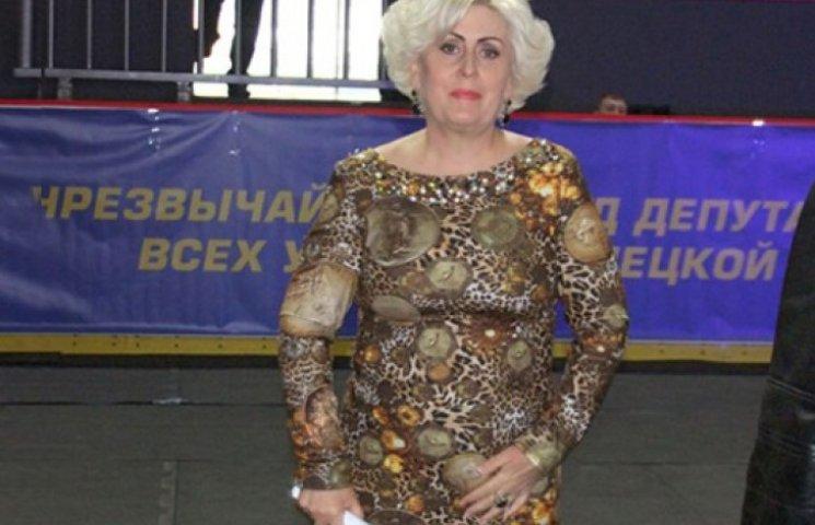 Штепа, яка схудла на казенних харчах, голосувала в СІЗО в міні-спідниці