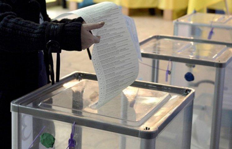 У штабі Порошенка нарахували вже 140 порушень на виборах, але не засмучуються