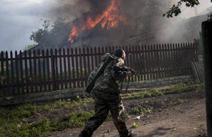 Жителям обстріляних селищ під Маріуполем обіцяють компенсацію