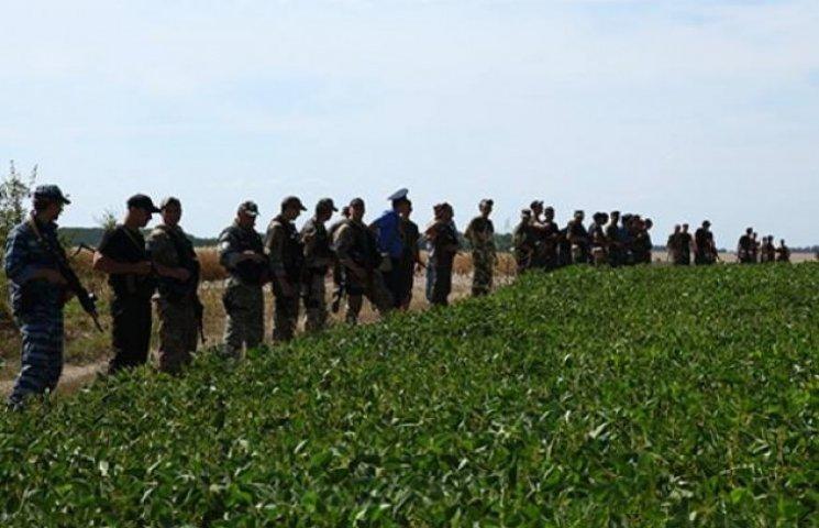 Головний міліціянт Хмельниччини впевнений - скоро впіймають шостого зека-втікача