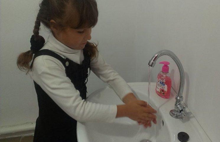На Одещині голова РДА урочисто відкрив...туалет