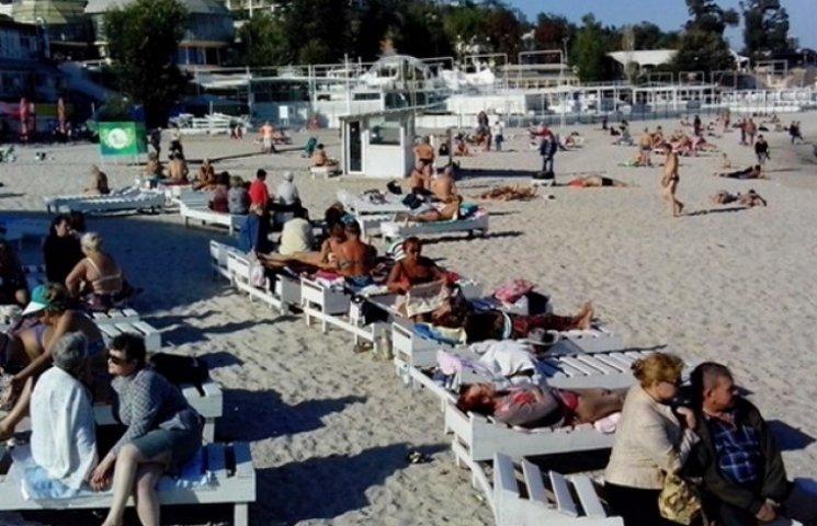 Пляжний сезон в Одесі досі триває