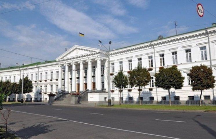 У Полтавську міськраду балотується четверо 18-річних кандидатів