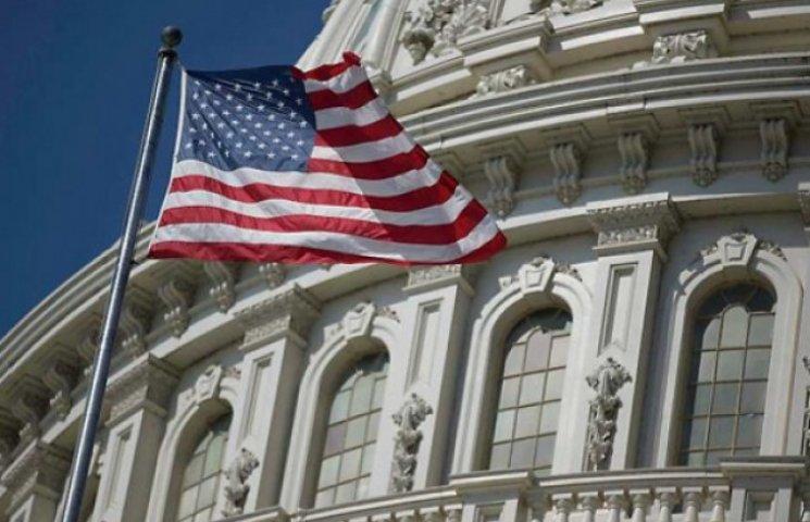 Конгрес США схвалив постачання зброї Україні