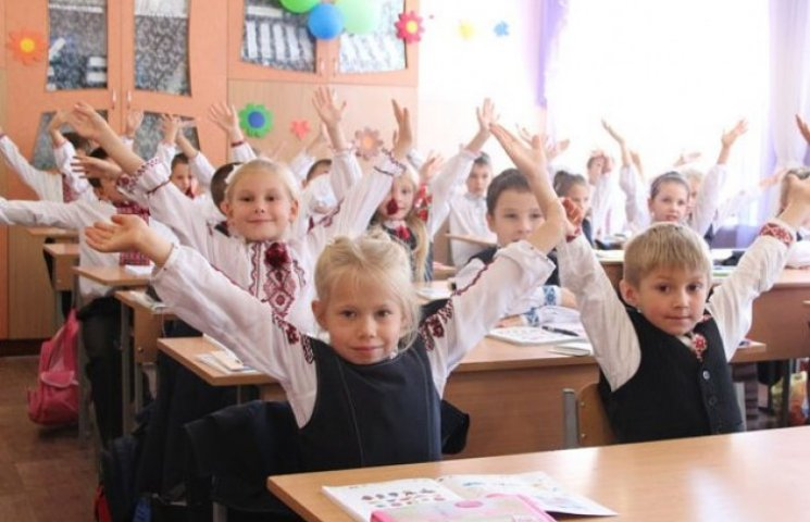 Через вибори вінницькі школярі підуть на канікули на тиждень пізніше
