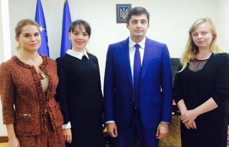 Активісти підштовхують Сакварелідзе з розслідуванням крадіжки буксира  з Одеського порту