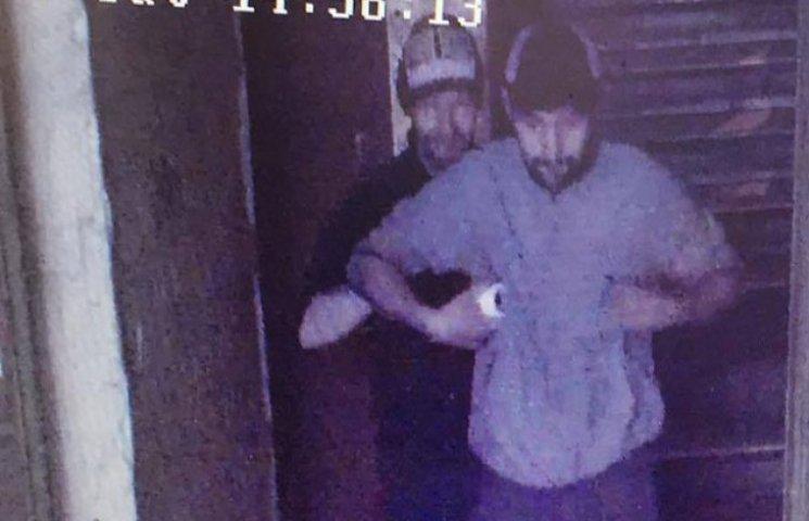 В Одесі орудує банда крадіїв камер спостереження (ФОТО, ВІДЕО)