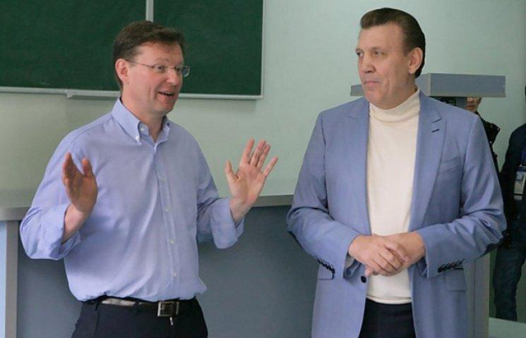 Саша Боровик прокоментував своє рукостискання з Ківаловим
