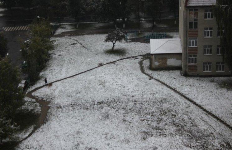 Як виглядає засипаний снігом Львів (ФОТО, ВІДЕО)