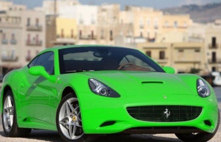 Полтавський фермер прославився новенькою Ferrari