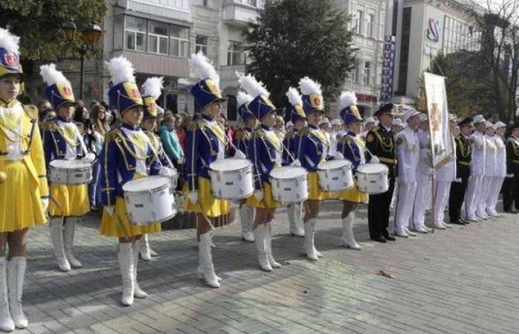 """""""Все буде добре"""", - співав у Вінниці військовий оркестр"""