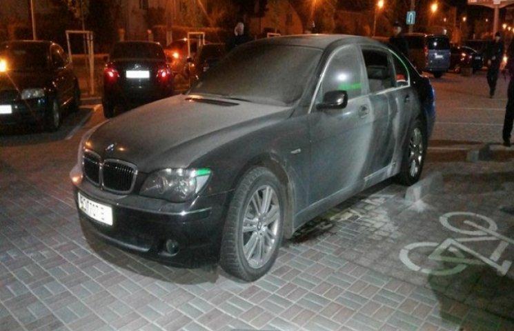 У Львові вибухнуло авто