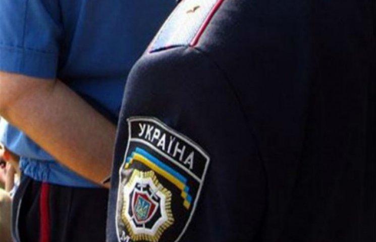 За зловживання службовим становищем у Полтаві затримано дільничного