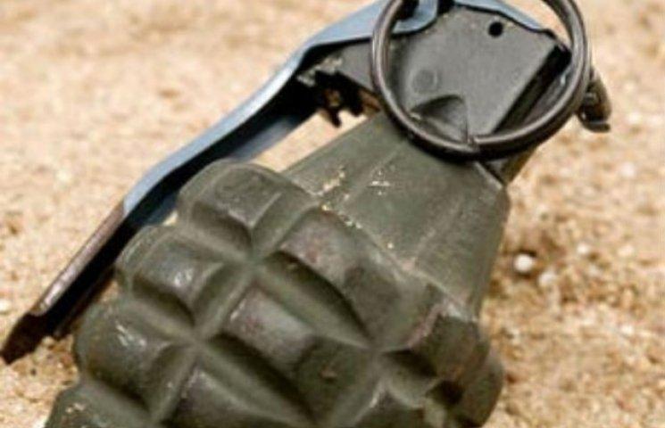 Бійця АТО, що налякав гранатою мера Комсомольська, посадять на два роки