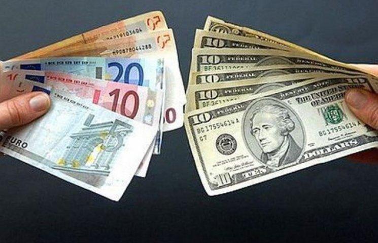 Правоохоронці Одещини припиняють незаконну діяльність валютчиків