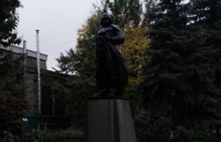 В Одесі Ленін уникнув декомунізації, ставши Дартом Вейдером
