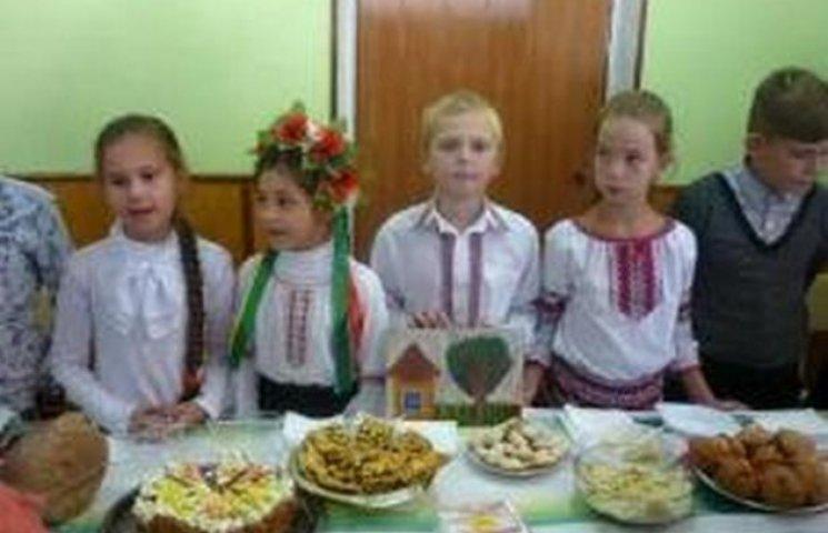 В Одеській школі провели ярмарок на підтримку онкохворих