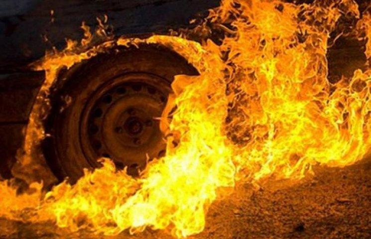 В Одесі вночі згоріла автівка