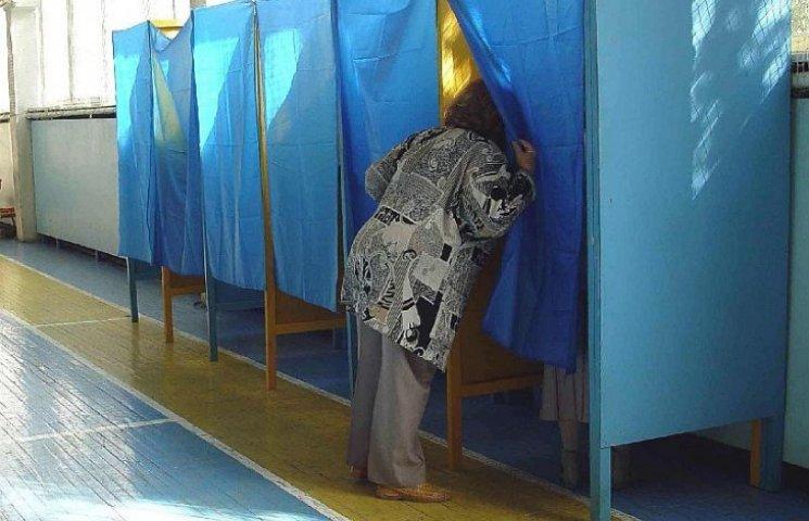 На Львівщині виборчі дільниці відкривалися з запізненням