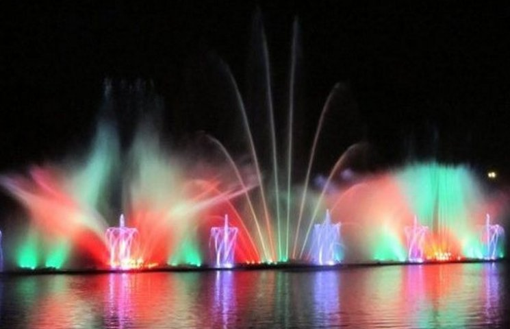 """Визначено дату початку зимової сплячки вінницького фонтану """"Рошен"""""""