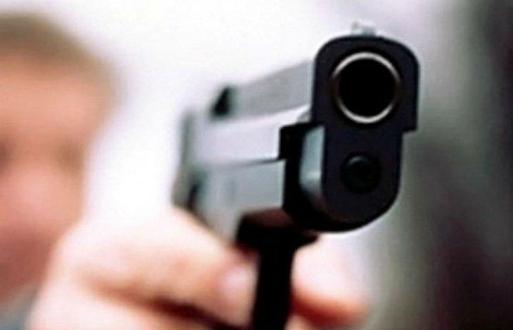 В Харькове прямо на улице пытались застрелить курсанта в затылок