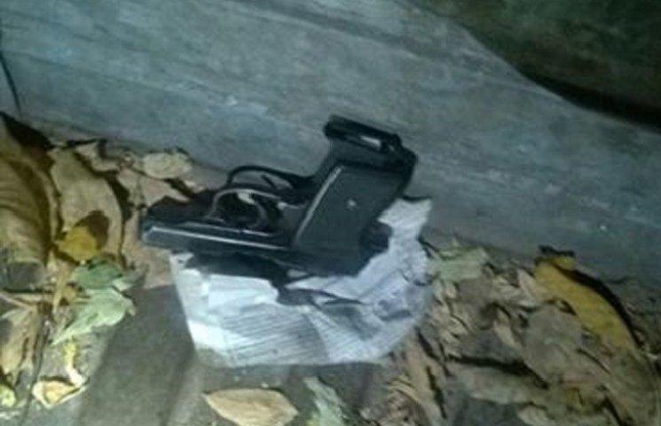 У Миколаєв неадекватний чоловік погрожував пристрелити дочку та дружину