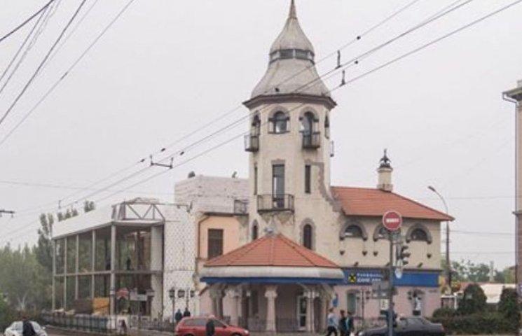 У документах на скандальний ресторан в центрі Миколаєва фігурує екс-архітектор-хабарник з ОДА