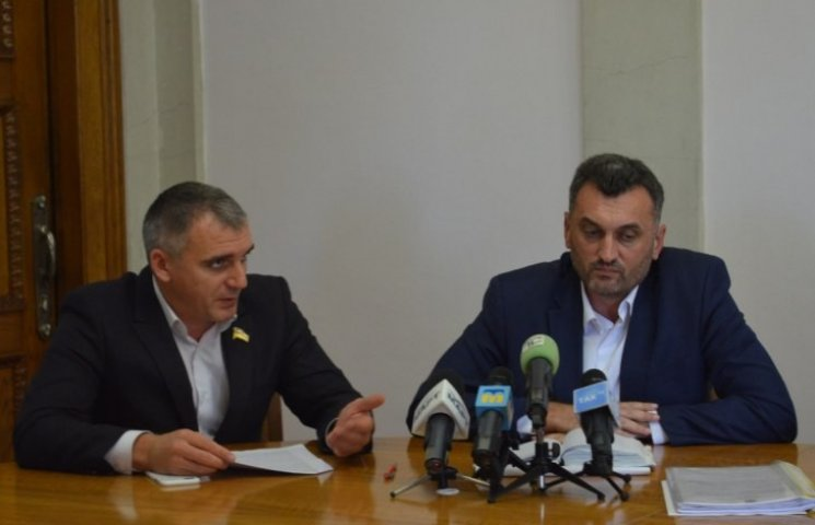 Нові управління та оптимізовані старі: миколаївцям представили нову структуру виконавчої влади