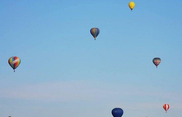 Небо над Кам'янцем  радуватиме око всіх містян і гостей яскравими кулями