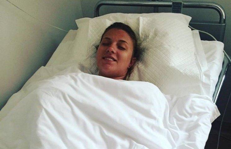 Олімпійська чемпіонка Харлан лягла на операційний стіл