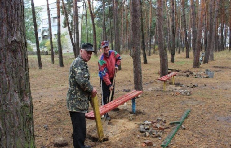 На місці незаконних споруд в Славуті облаштовують спортмайданчик