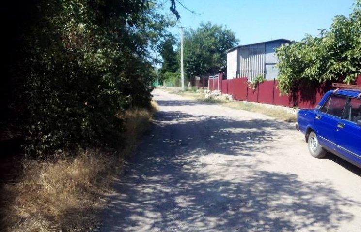 """Миколаївські чиновники """"нагріли"""" 68 тисяч на ремонті дороги"""