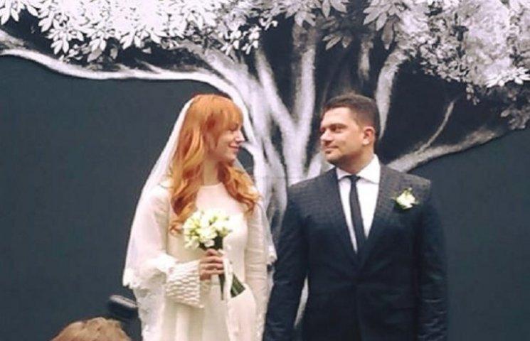 У мережу потрапили перші фото з весілля Тарабарової