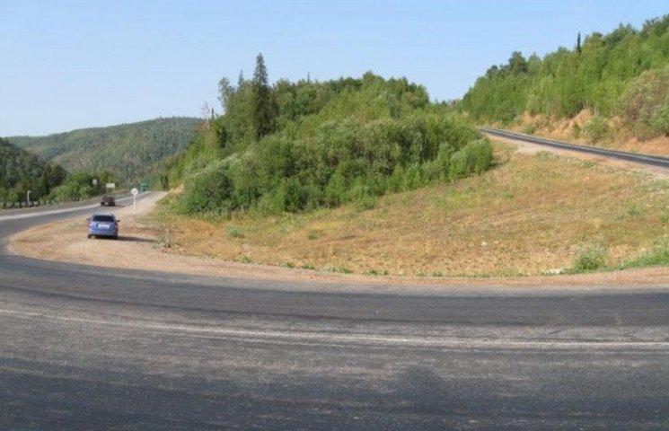 """Після аварії на """"Тещиному язиці"""" заговорили про будівництво прямого шляху"""