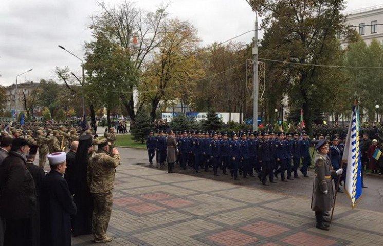 У Дніпрі пройшов тисячний марш військових і добровольців