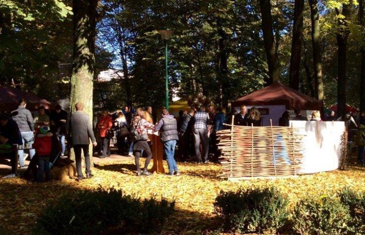 У Хмельницькому розпочався фестиваль вуличної їжі