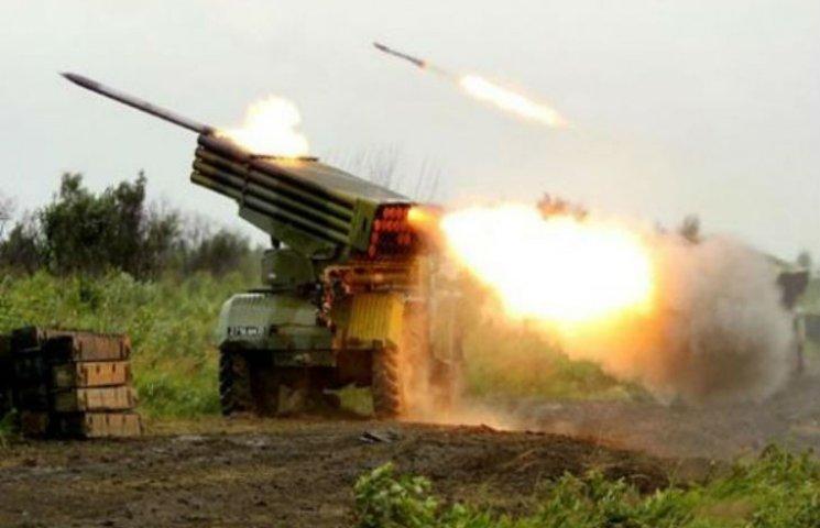 На Луганщине от обстрелов погибли двое бойцов, ранен гражданский