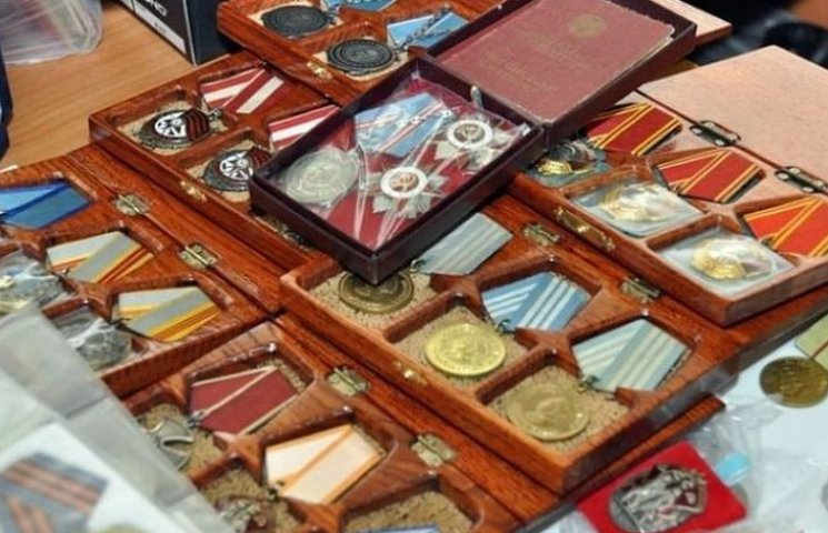 Молодий вінничанин вкрав у ветерана Другої світової бойові нагороди і збирався їх продати