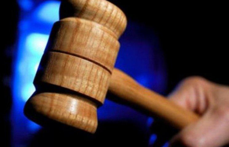 Члени двох злочинних угрупувань на Хмельниччині постануть перед судом