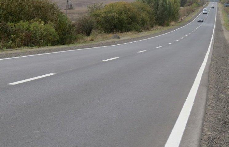 Автошлях Житомир-Чернівці продовжують оновлювати