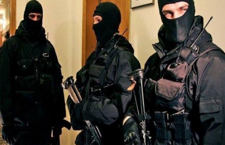 В помещении ГУ НП в Хмельницкой области проводятся следственные действия