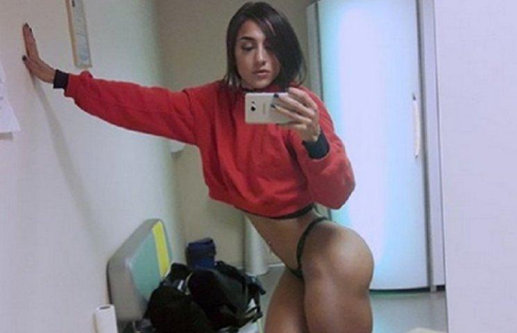 Секси-бодибилдерша с Днипра покорила рэпера 50 cent мускулистой задницей