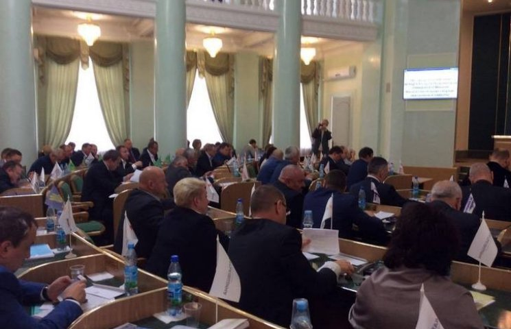Депутати Хмельницької облради мало не посварилися через Львів